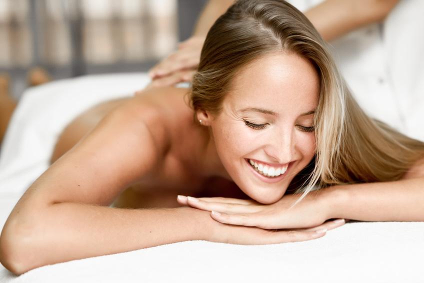 Massage bei bei Kosmetik-Institut SKIN & BEAUTY Freiburg
